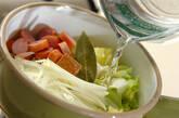キャベツとソーセージのスープの作り方4