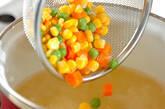 たっぷり卵白のスープの作り方3