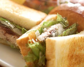 鯖サンドイッチ