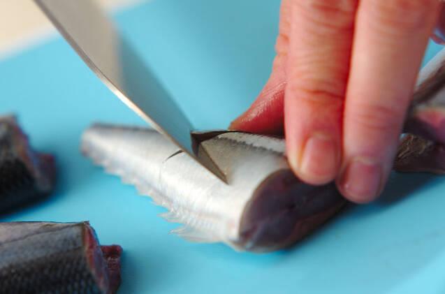サンマと大根のピリッと煮の作り方の手順1