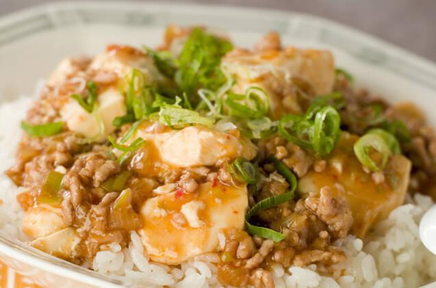 「豆腐×ひき肉」の人気レシピ19選♪黄金コンビで食欲そそる……!