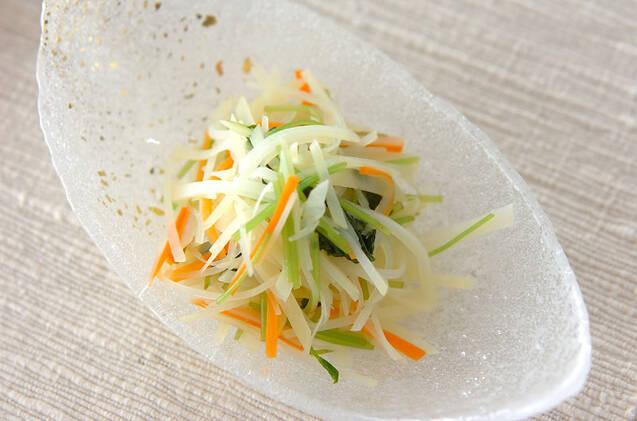 ジャガイモの千切りサラダ
