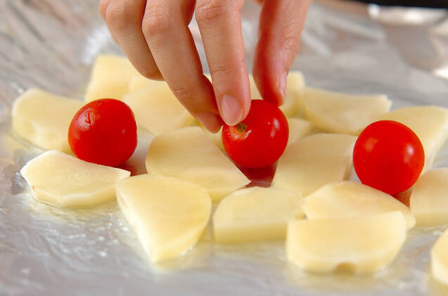 ジャガイモのハーブホイル蒸し焼きの作り方の手順4