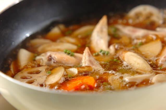 根菜と手羽先のうま煮の作り方の手順3