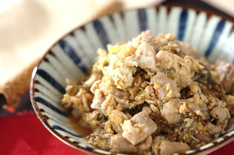 豚肉ともずくの卵炒め