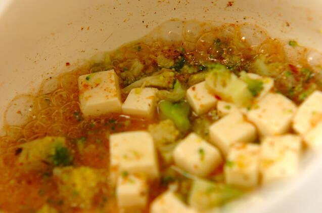 ブロッコリーと豆腐のおかか煮の作り方の手順2
