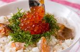 鮭とイクラの洋風親子丼の作り方4