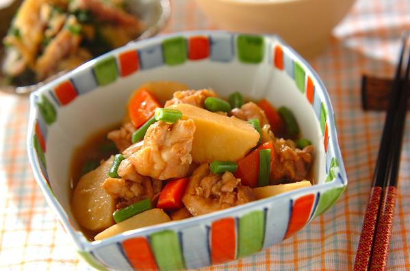 旨味しみしみ「鶏肉の煮物」人気レシピ20選!大根やじゃがいもと相性◎