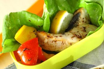 白身魚と彩り野菜のクミン焼き