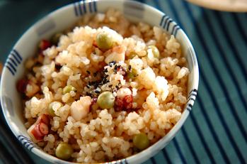 エンドウ豆とタコの玄米ご飯