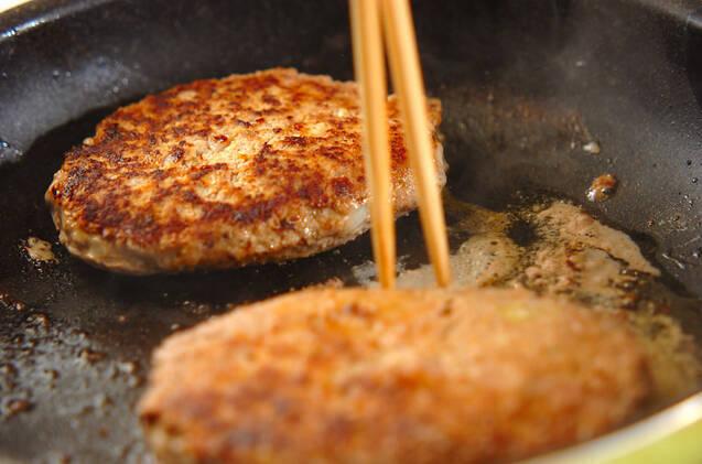 ハンバーグのトウモロコシ添えの作り方の手順7