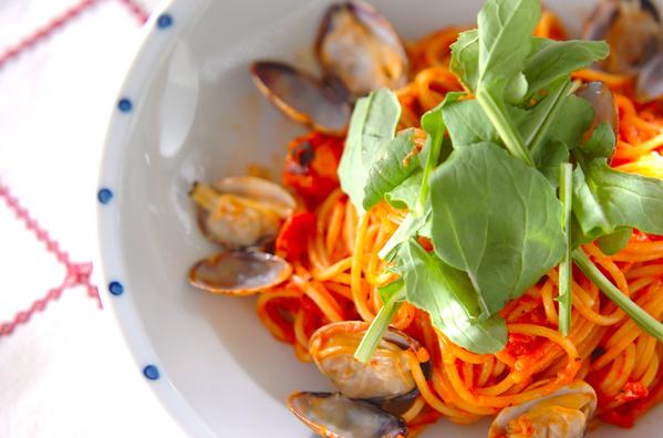 魚介トマトソースパスタ