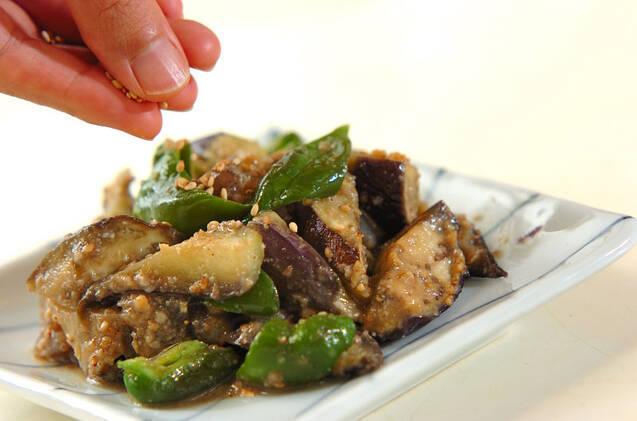 野菜だけでこってり!ナスとコンニャクのゴマみそ和えの作り方の手順6