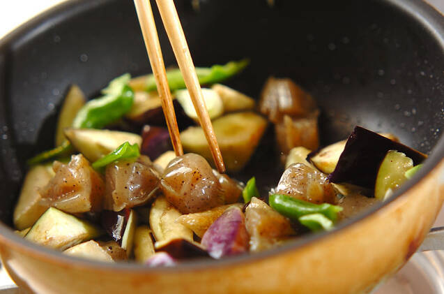 野菜だけでこってり!ナスとコンニャクのゴマみそ和えの作り方の手順5