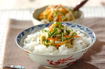 野菜のピリ辛甘酢塩麹漬け