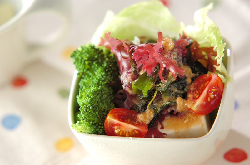 海藻とお豆腐サラダ