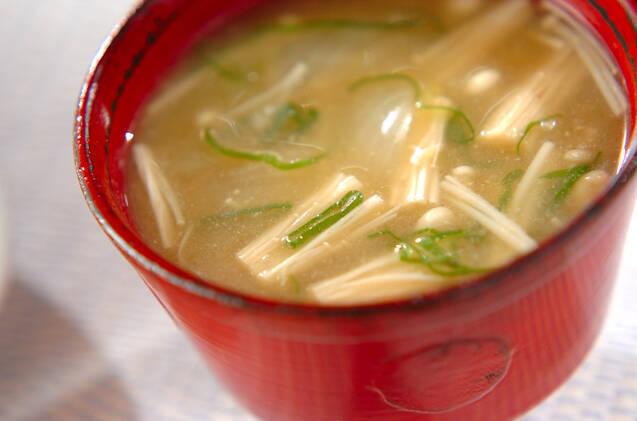 えのきと玉ねぎの味噌汁