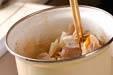 豚肉と根菜の白みそ汁の作り方6
