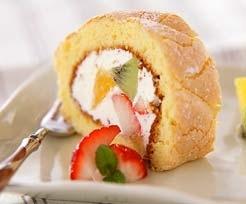 フルーツロールケーキ レシピ 作り方 E レシピ 料理のプロが作る簡単レシピ