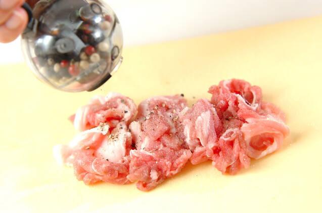モヤシと豚のソース炒めの作り方の手順1