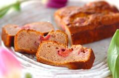 酒粕イチゴジャムのパウンドケーキ