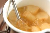 玉ネギとミツバのみそ汁の作り方2