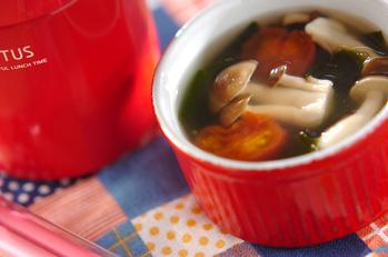 キノコとトマトのスープ