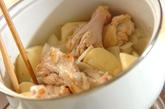 手羽元とジャガイモの煮物の作り方2