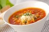 具だくさんのトマトスープ