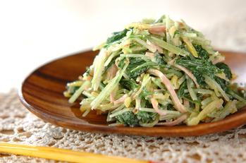 水菜とたくあんのゴママヨ和え