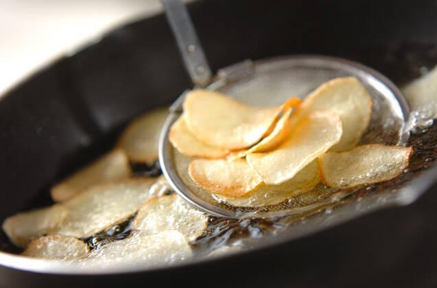 パリパリ!手作りポテトチップスの作り方の手順2