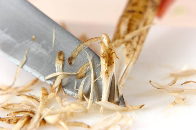 肉団子のゴボウ衣揚げの作り方の手順1
