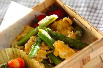 アスパラと卵のチーズ炒め
