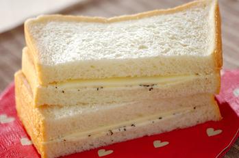 ペッパーチーズサンド