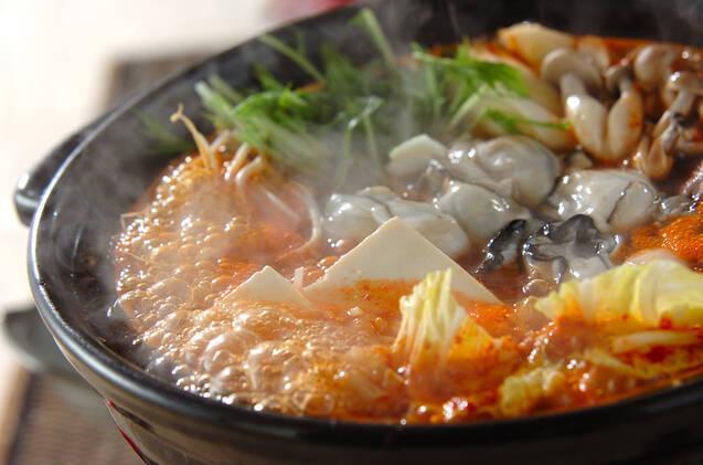 キムチ味の牡蠣鍋