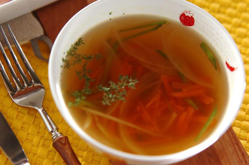 コンソメスープのレシピ