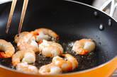 長芋とエビのチーズ炒めの作り方3
