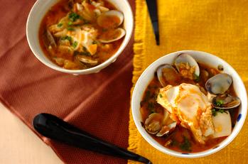 スンドゥブチゲ~豆腐とアサリのピリ辛スープ~