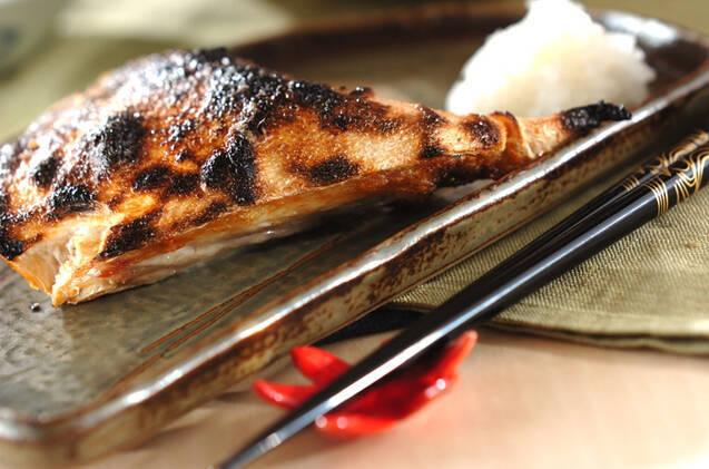 シンプルなおいしさ!ブリカマの塩焼き
