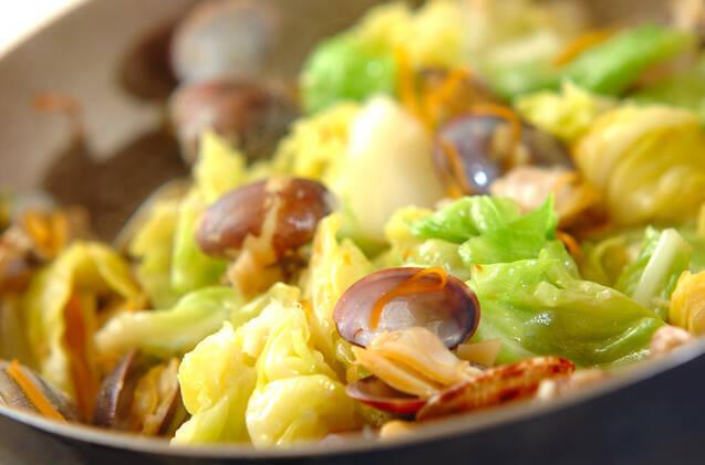 キャベツとアサリの和え麺 の作り方の手順3