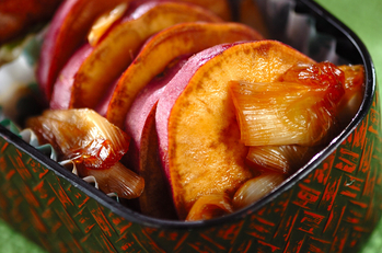 サツマイモの照り煮