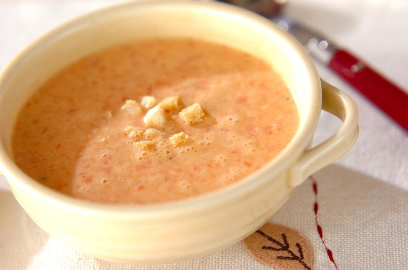 2.ミキサーでパプリカのスープ