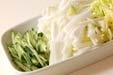白菜の甘酢和えの下準備1