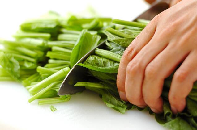 ホウレン草のトロミスープの作り方の手順1