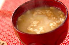 里芋と天かすのみそ汁
