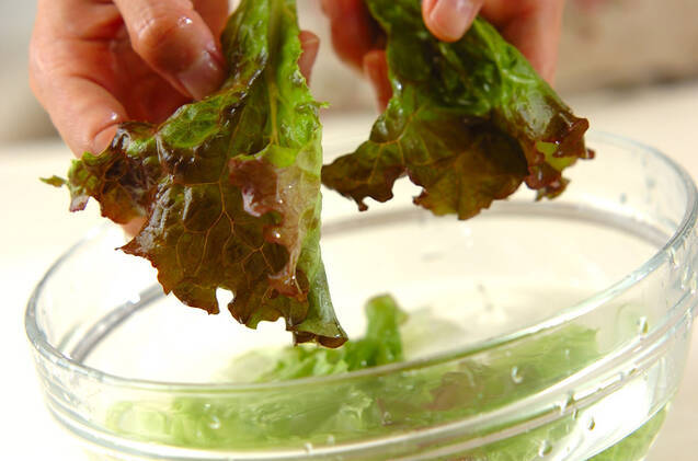 ゆで鶏のサラダ仕立ての作り方の手順1