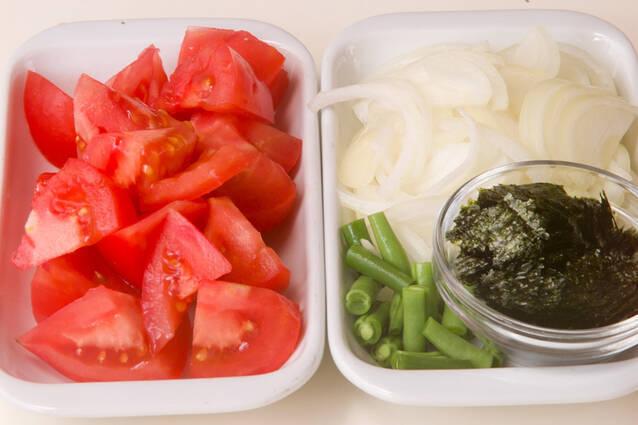 トマトと卵のスープの作り方の手順1