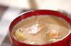 ジャガイモとハムの豆乳みそ汁の作り方の手順