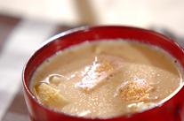 ジャガイモとハムの豆乳みそ汁