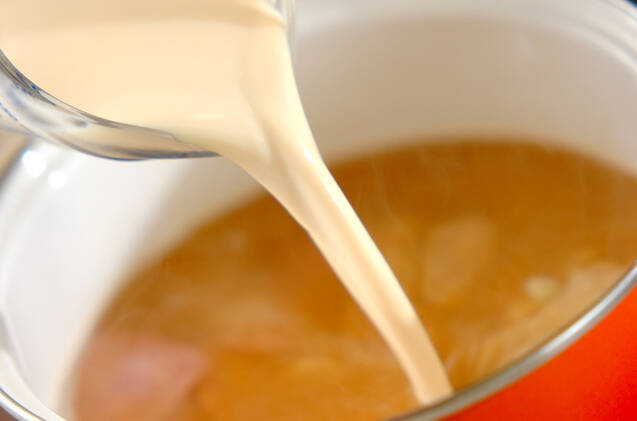 ジャガイモとハムの豆乳みそ汁の作り方の手順4